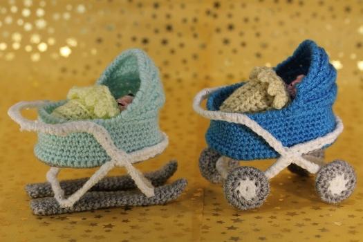 Kleiner Kinderwagen & Baby